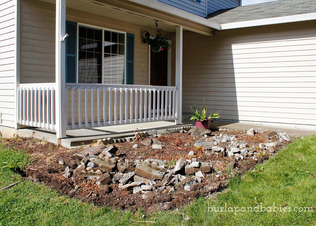 DIY retaining wall front house view image