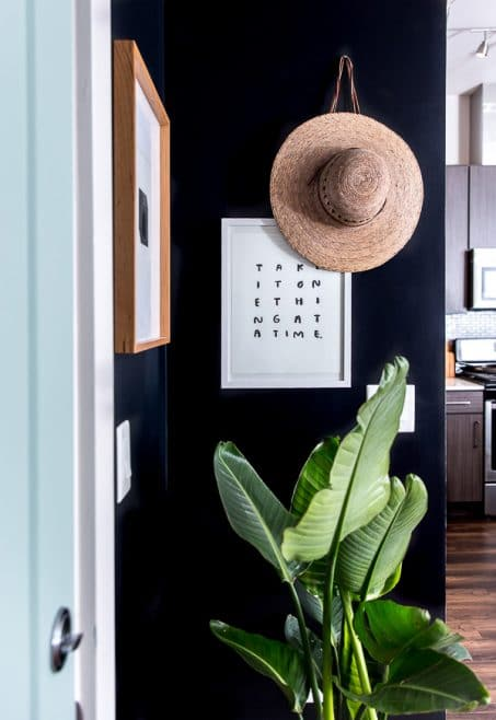 Modern Entryway Decor from Paper'n'Stitch