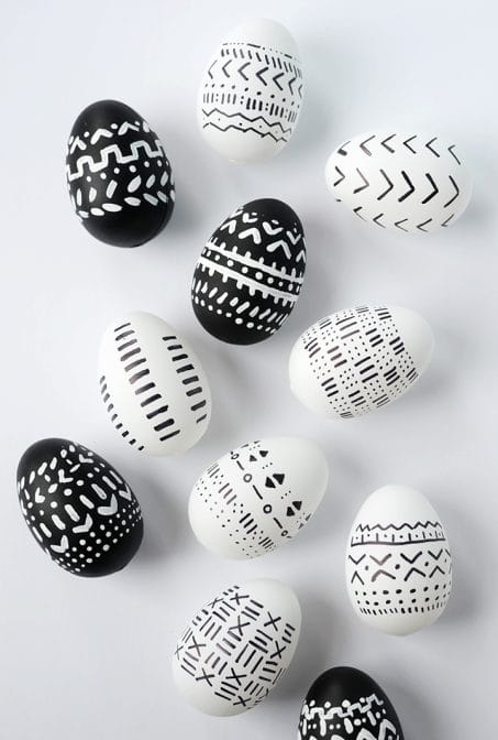 Modern Easter Egg Decorating Idea with sharpie